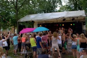 Coverband De Helden zorgde voor veel sfeer